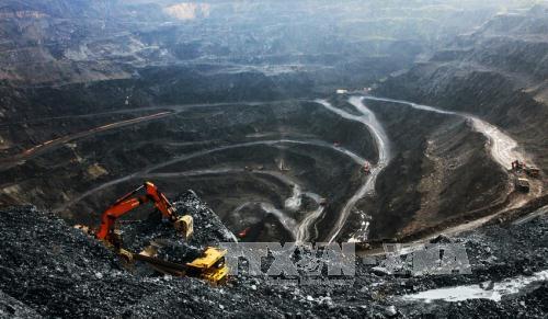 Xử lý tiền cấp quyền khai thác khoáng sản với đơn vị bị tước Giấy phép khai thác